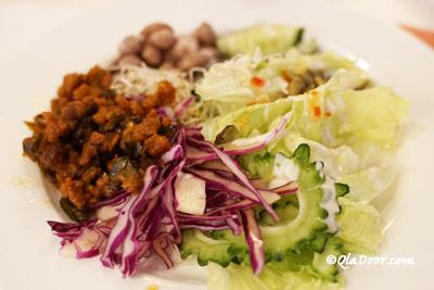 コスモスホテル台北の食事盛り付け写真