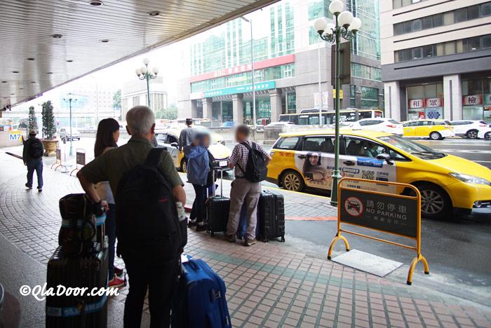 コスモスホテル台北のお客さん達
