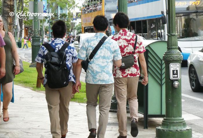 ハワイ旅行の持ち物リュックとカバンは安全面で必須
