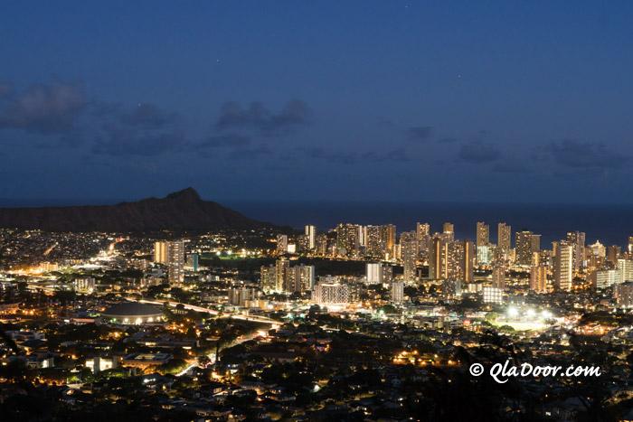 ハワイ・タンタラスの丘から見た夜景