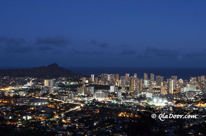 タンタラスの丘からの夜景写真